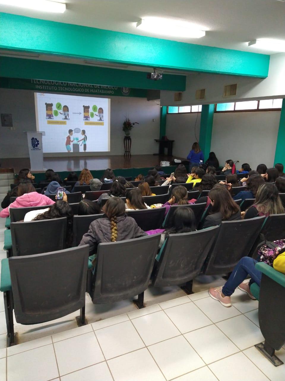 """Estudiantes femeninas del TecNM Campus Huatabampo receben Capacitación """"Empoderando Mujeres"""" de Proyecto Vive."""